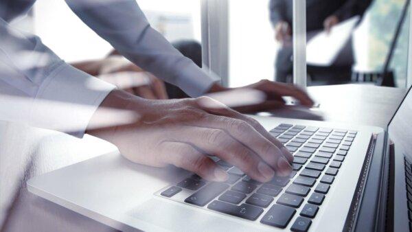 Elektroniczne zamówienia publiczne w praktyce – Justyna Olszewska Stompel